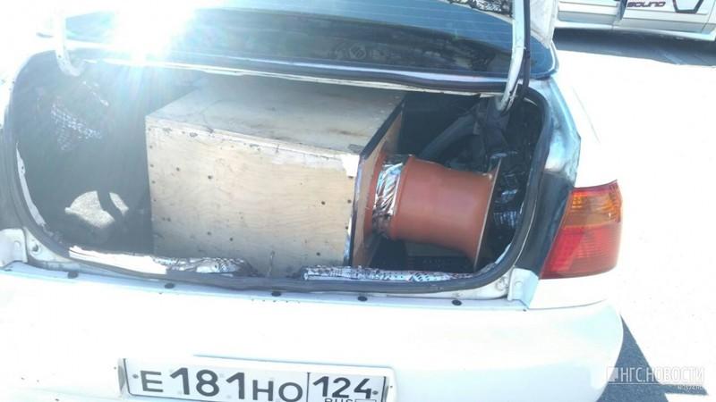 Автозвук на острове Татышев: металл рвался от звука