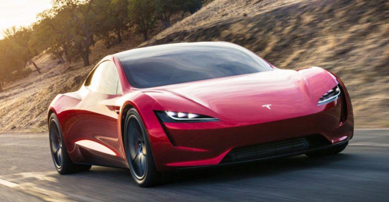 Маск пообещал сделать новый Roadster невероятно быстрым