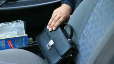 В Новочеркасске пьянка в автомобиле закончилась кражей