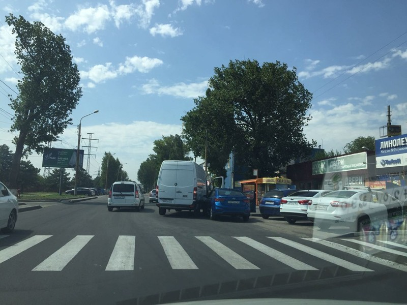 Жара: на улицах Ростова повышается аварийность. Фотофакт