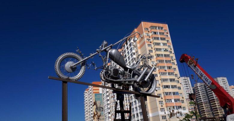Мотоциклисты благоустраивают прогулочную зону