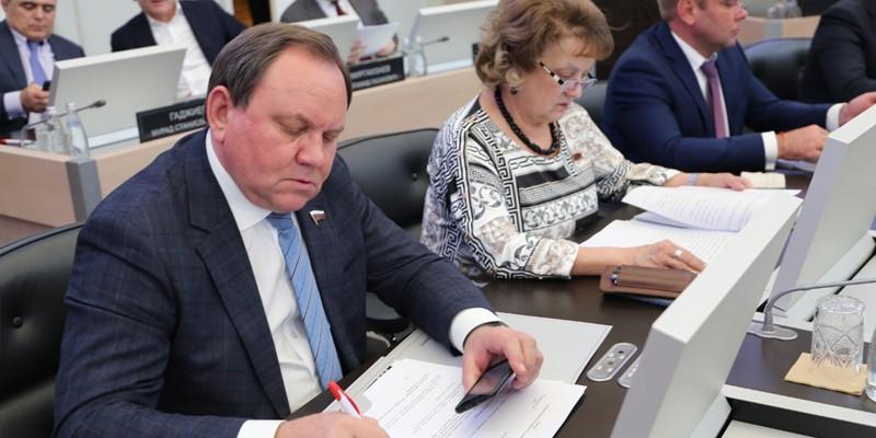 Виктор Дерябкин: «На востоке Ростовской области восстановят движение пригородных поездов»