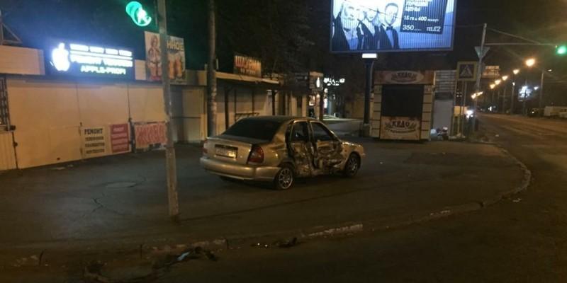 В Ростове водитель на БМВ Х-6 совершил ДТП с двумя автомобилями. Фото