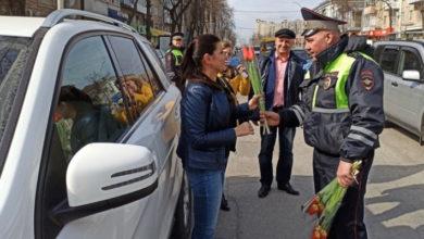 В Ростове прошел автопробег и концерт к 8 Марта
